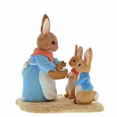 Beatrix Potter, Mrs Rabbit, Flopsy and Peter Mini Figure, A29193