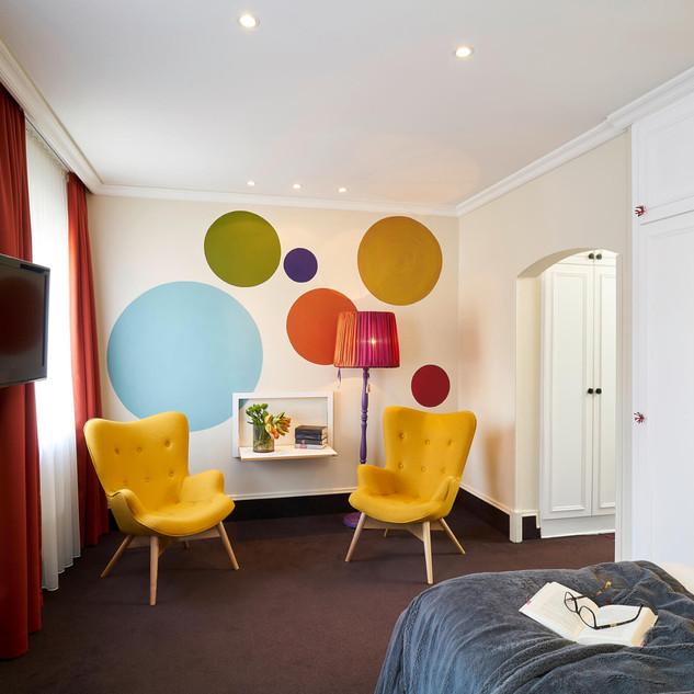 Fläpps_Regal_Hotel_Ambivalenz