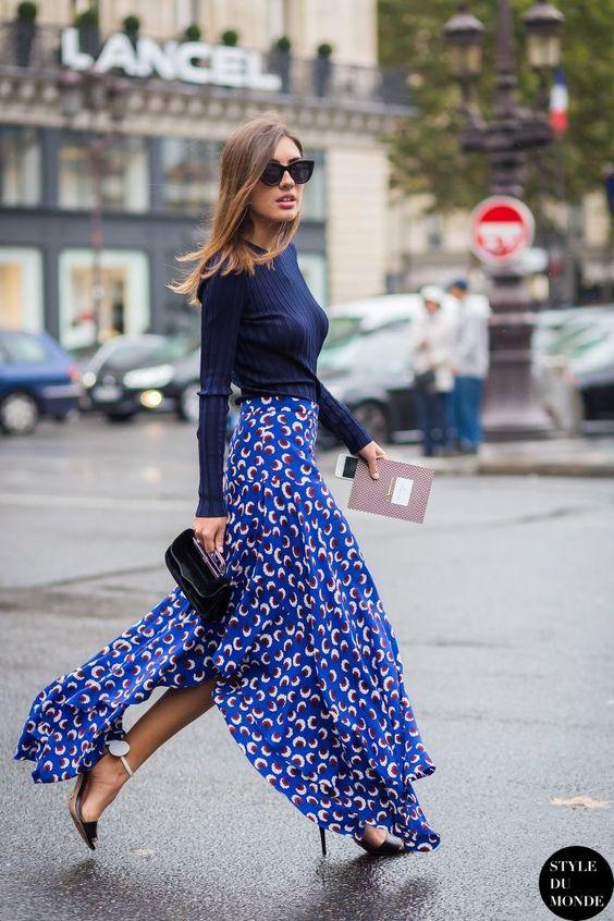 Jupe und Pullover in Blau