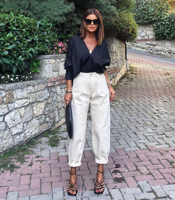 schwarze Bluse mit weisser Hose