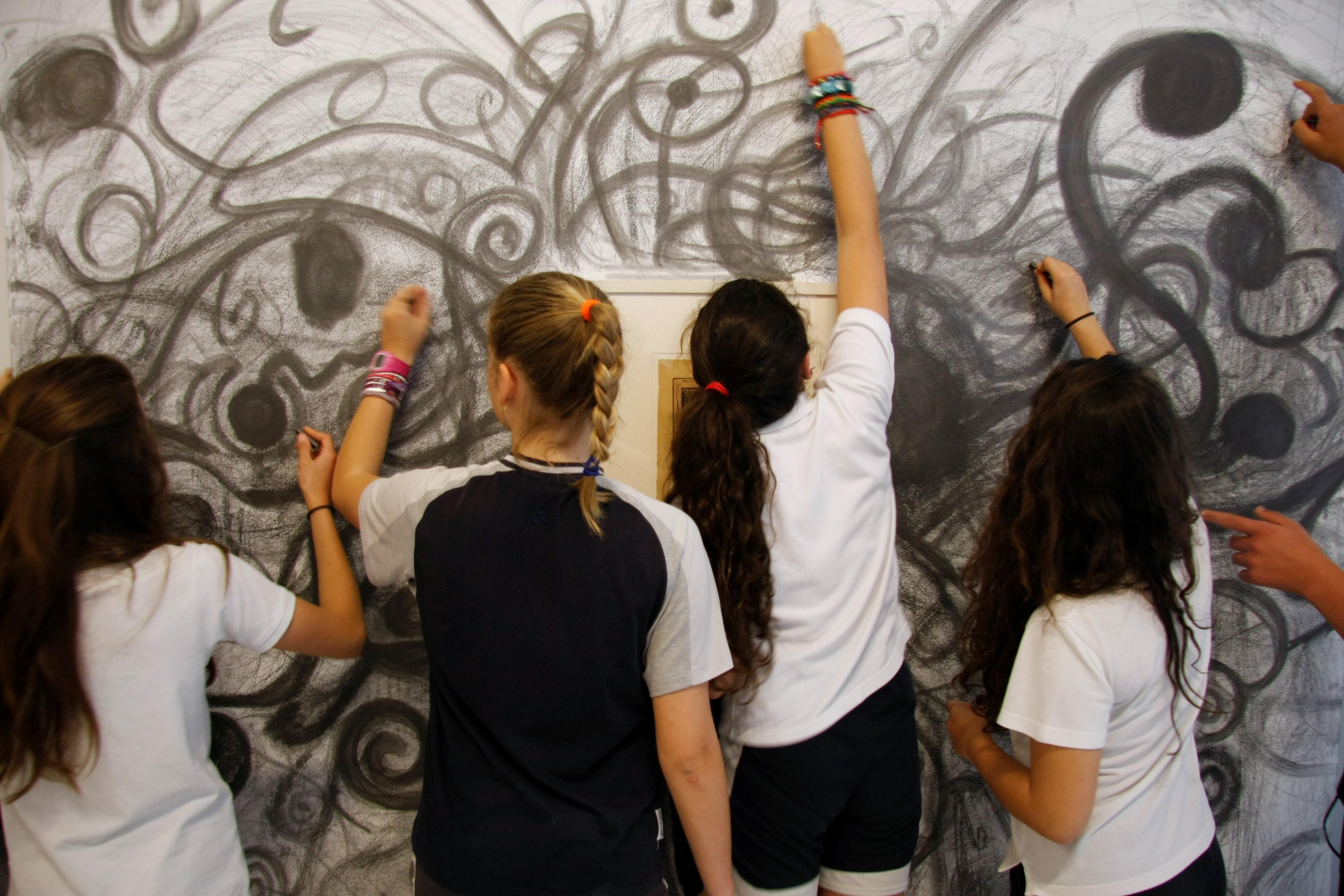 Marín Ricardo. 2013. Munch 5.