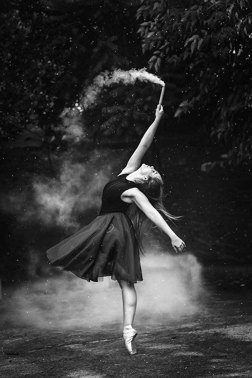 balance-ballerina-ballet-dancer-1886694_