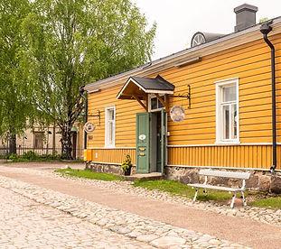 Galleria Kääntöpoiju – Majurskan talon puodit