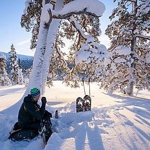 laplanddream_Snowshoeing-in-Muonio_Kouta
