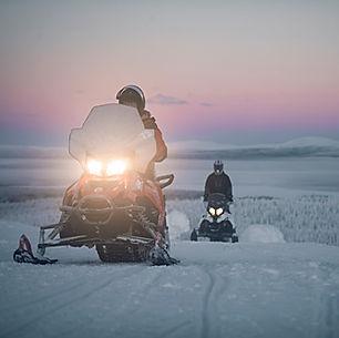 laplanddream_Activity_snowmobiling-olos-