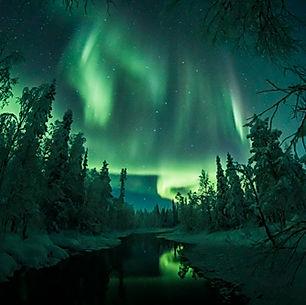 laplanddream_Nature_northern-lights-revo