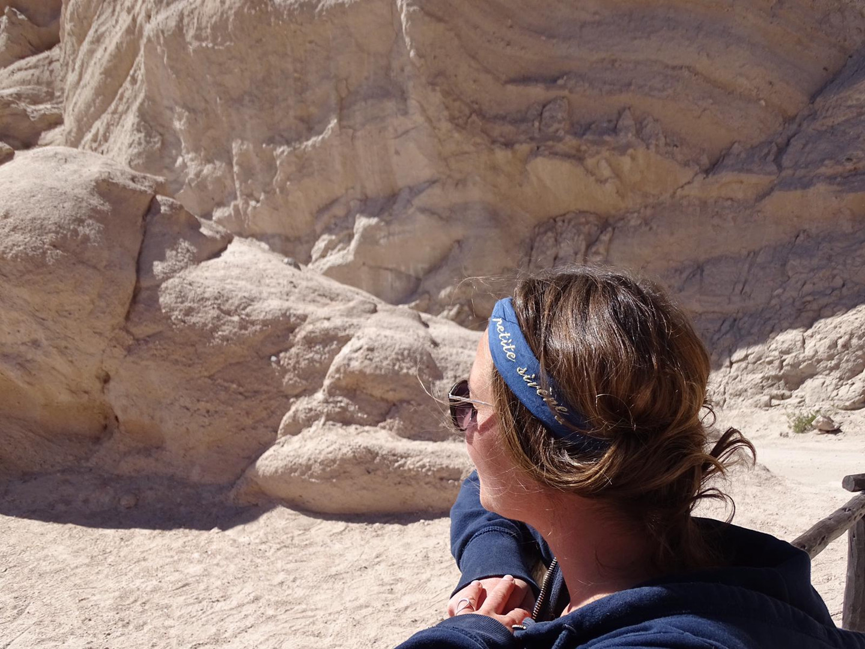 La petite Sirène dans le desert de sel