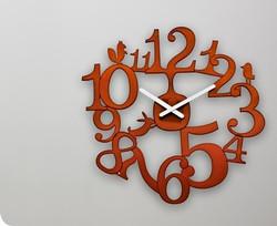 pip-acrylic-wall-clock