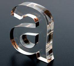 Letras-de-acrílicos-cortada-a-laser-2.