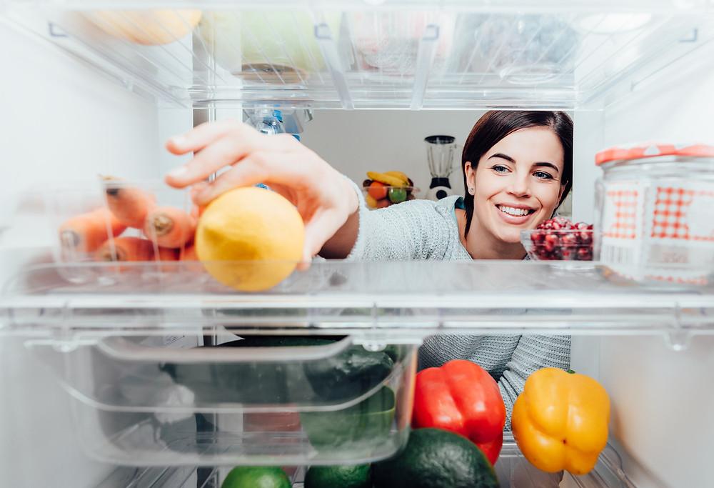 clean fridge, organized fridge