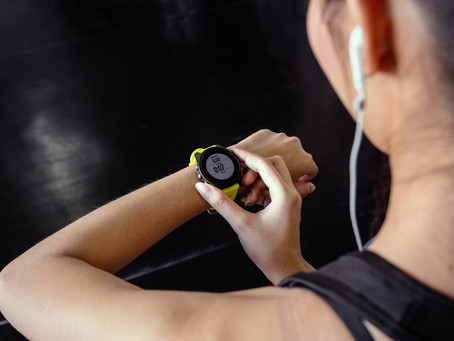 The Pros & Cons of Fitness Trackers