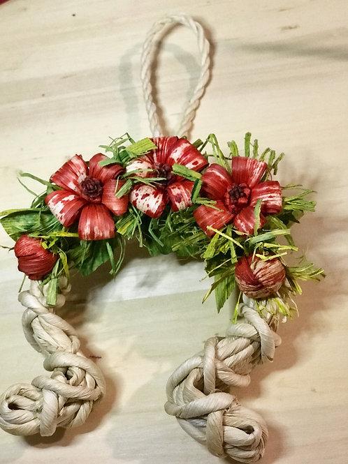 Decorazione Ferro di cavallo e fiori  lavorata a mano