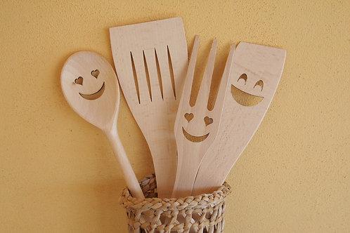 Set posate Smile di legno di faggio europeo + contenitore di giunco