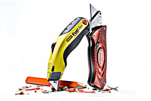 Hard-Knive-18x12-Comp.jpg