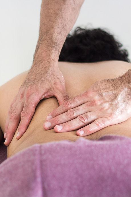 mains masseur paris 20eme nation massage suedois.jpg
