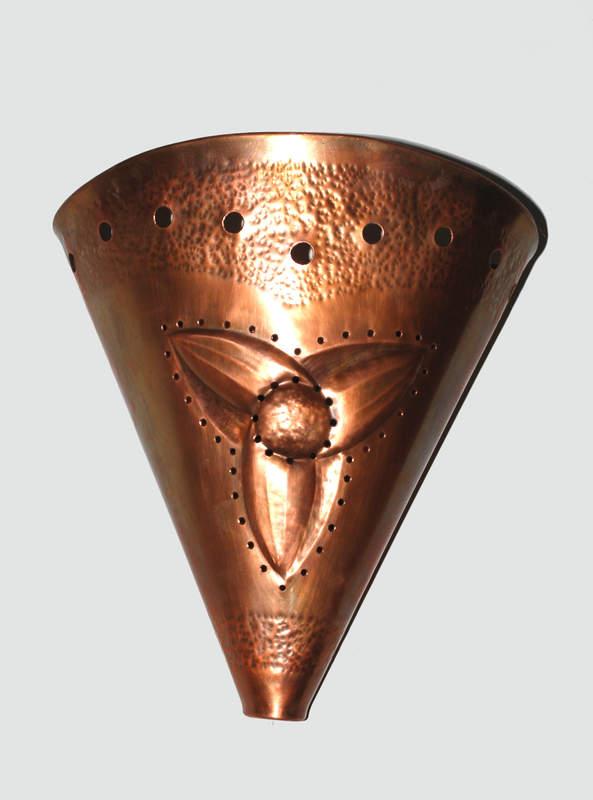 1692218047-nastenna-lampa-trojlist