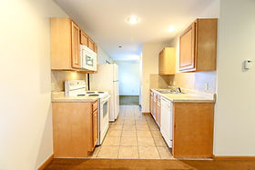 418-G Kitchen (1 of 1).jpg