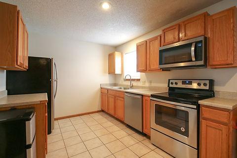 215-E Kitchen (1 of 1).jpg