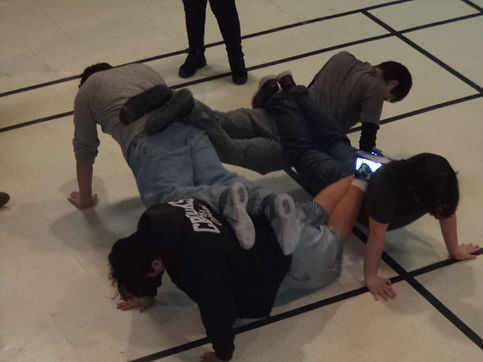 4 person pushup (3).JPG