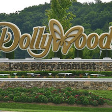 Dollywood-entrance-sign-e1545239231993.j