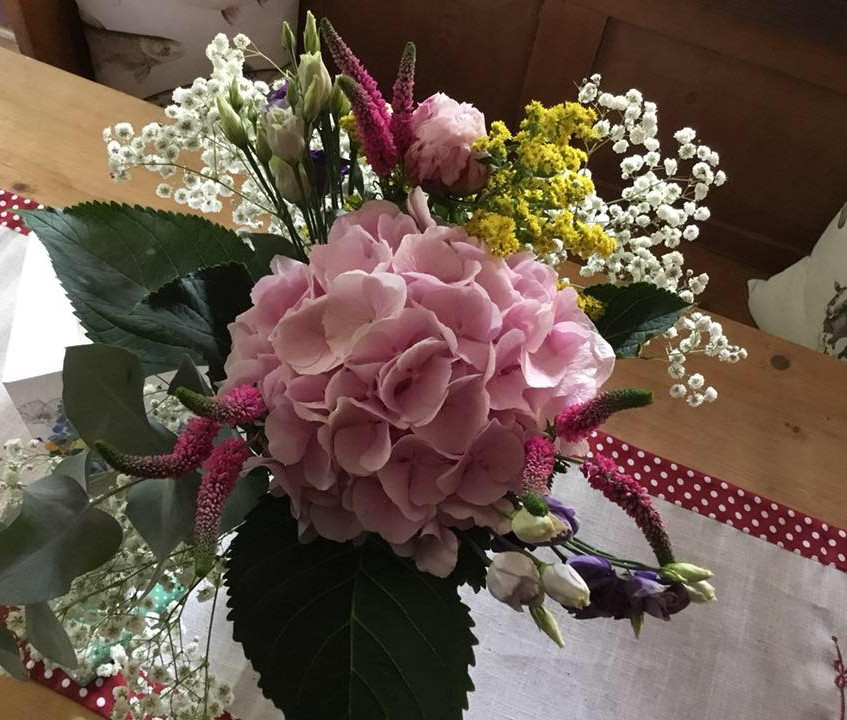 Hand tied bouquet experience