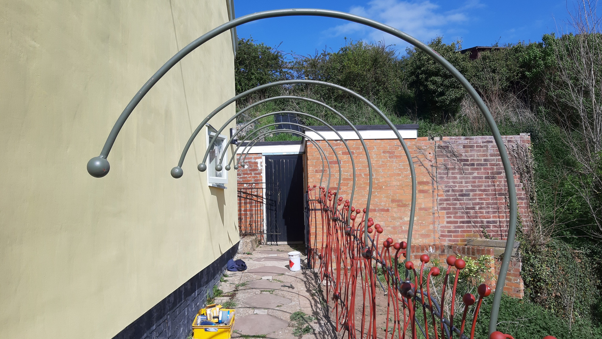 Half covered archway