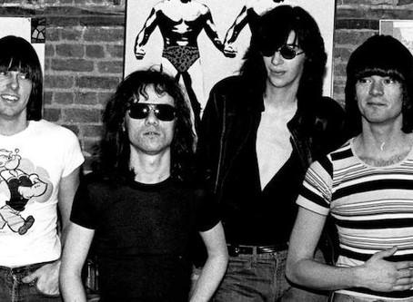 Canciones en español que mencionan a los Ramones