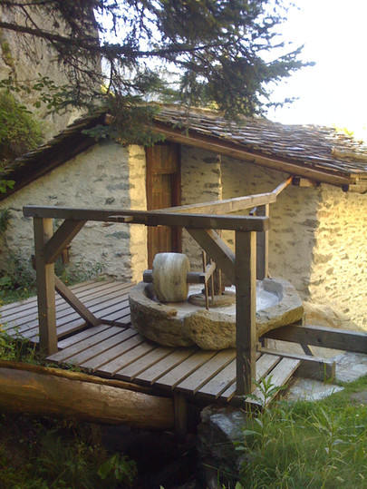 NewNew-Moulin-du-Valsorey-VueFoulon.jpg