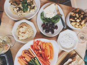 DINNER || Homemade Hummus and Wine