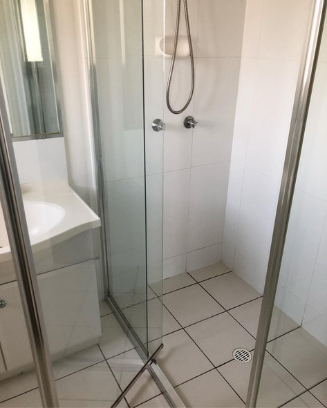 Bond Clean Shower - After