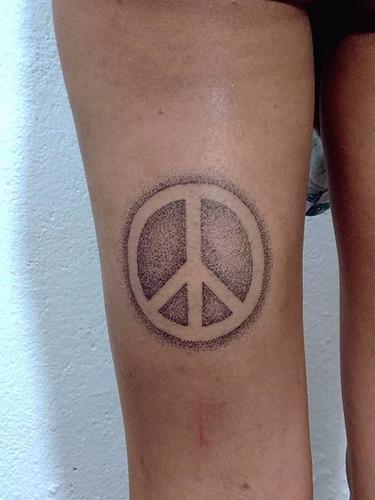 simbolo de la paz puntillismo