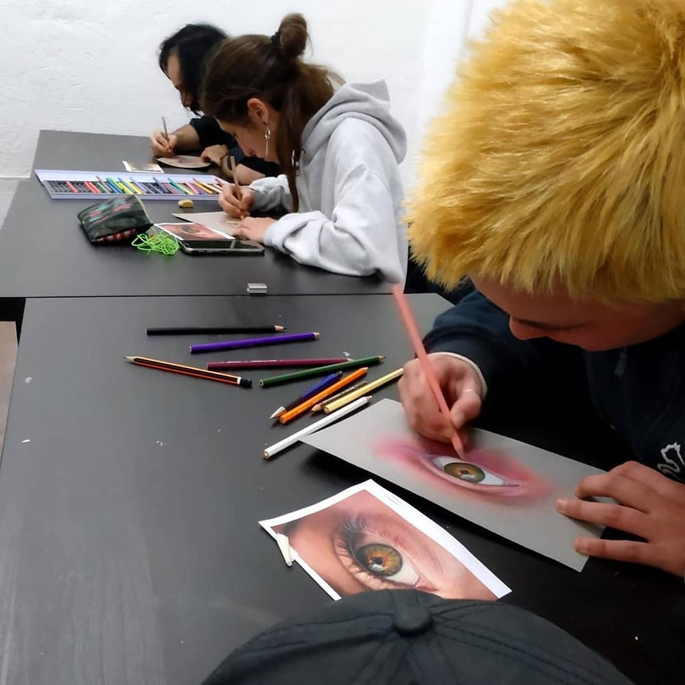 En el Máster Anual de Tatuaje se ofrecen clases de dibujo artístico