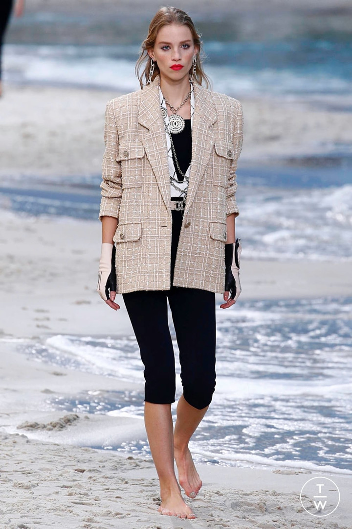 tailoring trend Chanel.jpg