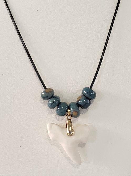 Shark Tooth With Handmade Beads(Navy)