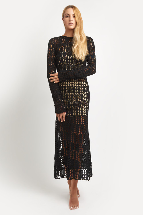 575e0190e0eb Μακρύ μάλλινο φόρεμα σε ίσια γραμμή με μικρό άνοιγμα στην πλάτη και μακριά  μανίκια