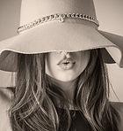 fashion-2309519_1920.jpg
