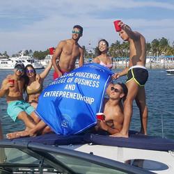 Graduation celebration #thingstodoinmiami #bestyachtrentals #yacht #yachtparty #bacheloretteparty #b