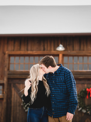 Romantic Winter Photoshoot | Brogan Resch Photography - Couple Photography