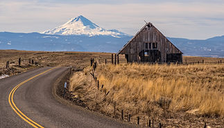 On the Road in Central Oregon near Dufur