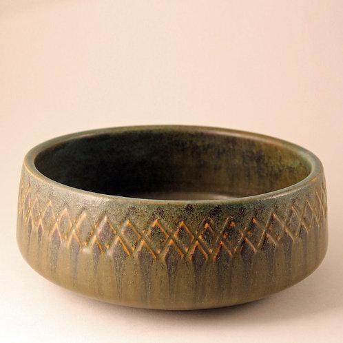 Ejvind Nielsen, Denmark. Mid Century Ceramic Bowl