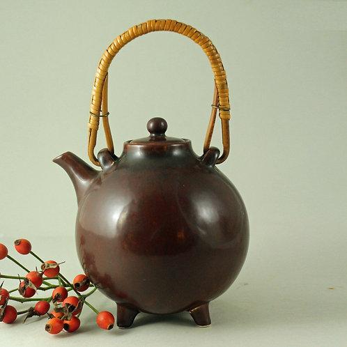 Gunnar Nylund, Rorstrand.Sweden. Stoneware Teapot