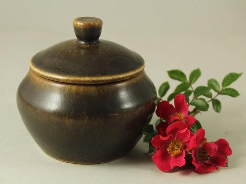 Sigvardt Bernadotte for Michael Andersen, Denmark. Stoneware Lidded Bowl
