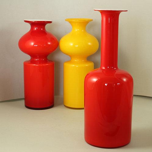 Red Cased Bottle Gulvvase, Otto Brauer, Holmegaard, Denmark