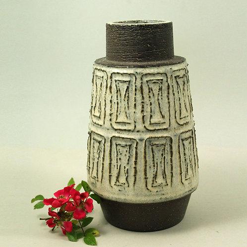 Helge Bjufstrom, Michael Andersen, Denmark, Mid Modern Century Stoneware