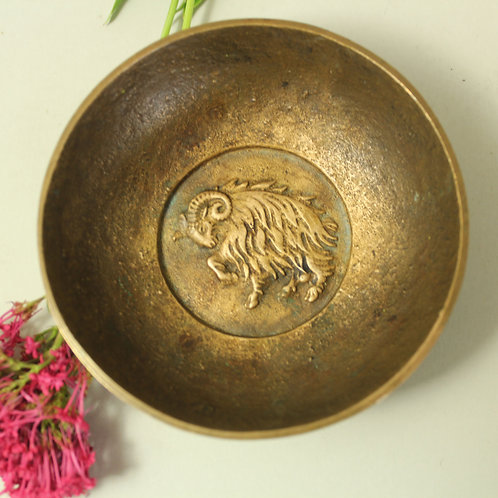 Svend Lindhart, Denmark. Small Bronze Bowl with Sculptural Dcoration
