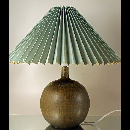 Eigil Hinrichsen, Denmark. Stoneware Lamp Base