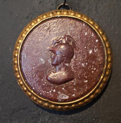Médaillon d'Athéna en scagliola