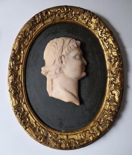 Portrait  de profil d'un Empereur Romain . XVIIIe