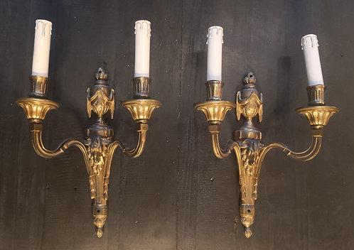 Paire d'appliques au bouc Louis XVI. Fin du XVIIIesiècle