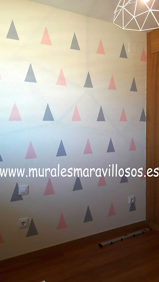 habitacion_infantil_triangulos.jpg